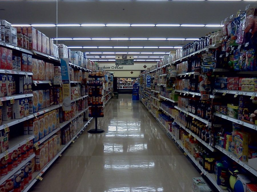 Pictured+above+is+a+deserted+aisle+within+a+dim+grocery+store.+Photo+credits+to+Creative+Commons.